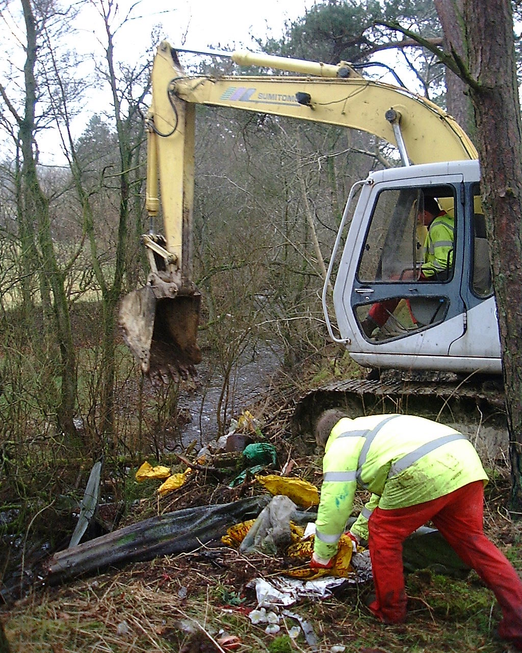 The clear up of the farm tip on the banks of the Nant-y-maes (upper Wye tributary) in 2005.